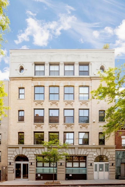 2 Bedrooms, Hell's Kitchen Rental in NYC for $10,000 - Photo 1