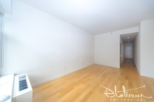 Studio, Financial District Rental in NYC for $4,444 - Photo 2