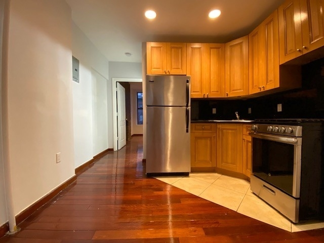 2 Bedrooms, Hell's Kitchen Rental in NYC for $2,403 - Photo 1