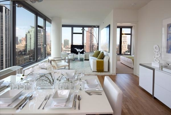 3 Bedrooms, Chelsea Rental in NYC for $18,470 - Photo 2