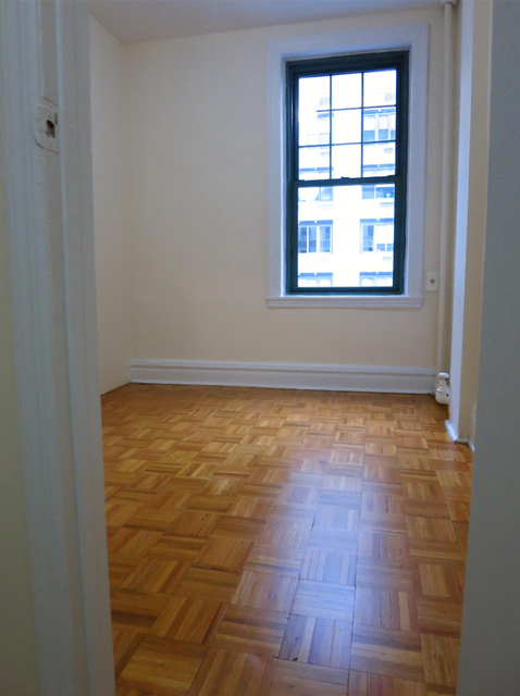 2 Bedrooms, Upper East Side Rental in NYC for $3,075 - Photo 2