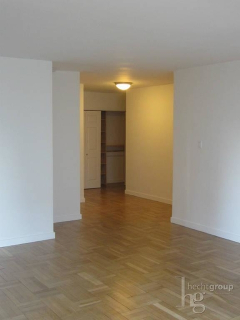 1 Bedroom, Yorkville Rental in NYC for $4,325 - Photo 2