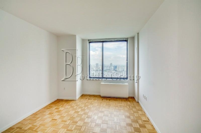1 Bedroom, Battery Park City Rental in NYC for $3,895 - Photo 2