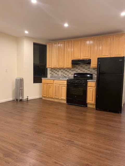 4 Bedrooms, East Flatbush Rental in NYC for $2,395 - Photo 2
