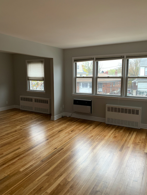 3 Bedrooms, Flushing Rental in NYC for $2,350 - Photo 2