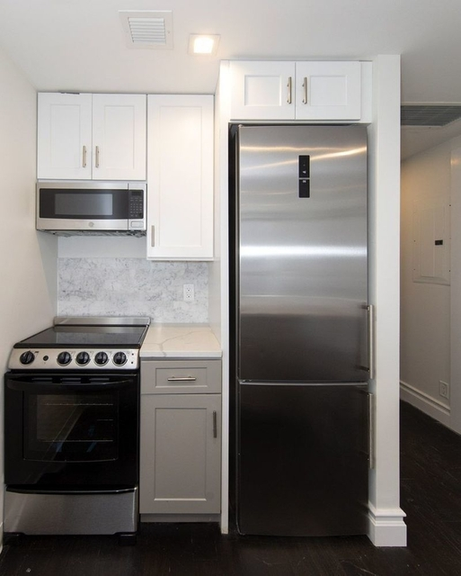 2 Bedrooms, North Slope Rental in NYC for $5,600 - Photo 2