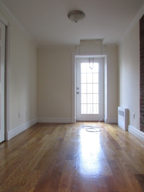 3 Bedrooms, Alphabet City Rental in NYC for $5,363 - Photo 2