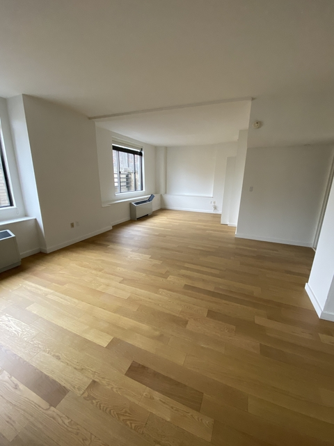 1 Bedroom, Financial District Rental in NYC for $5,300 - Photo 1