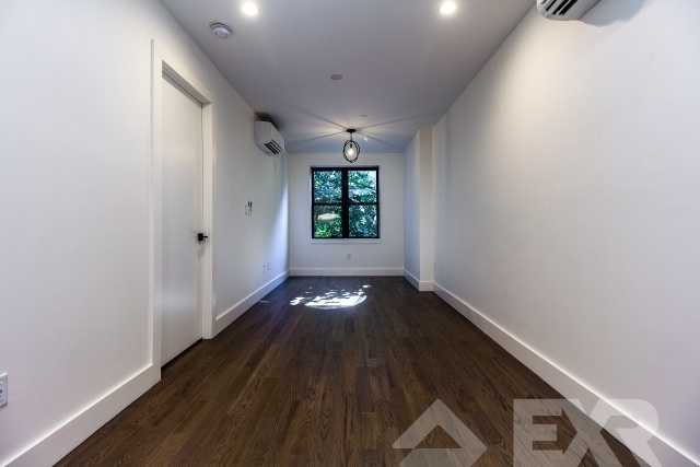 3 Bedrooms, Crown Heights Rental in NYC for $3,737 - Photo 2