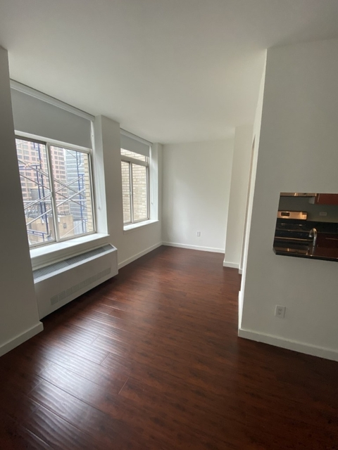 Studio, Financial District Rental in NYC for $3,000 - Photo 1