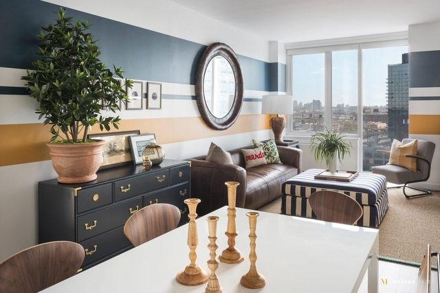 3 Bedrooms, Long Island City Rental in NYC for $5,887 - Photo 2