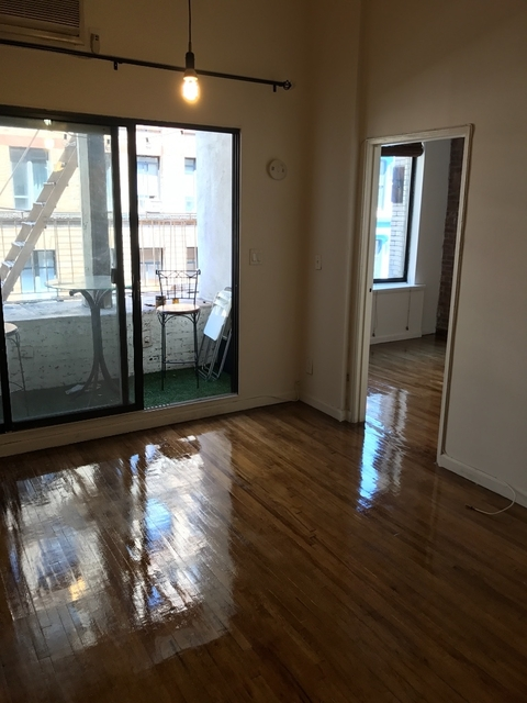 3 Bedrooms, Hell's Kitchen Rental in NYC for $5,400 - Photo 2