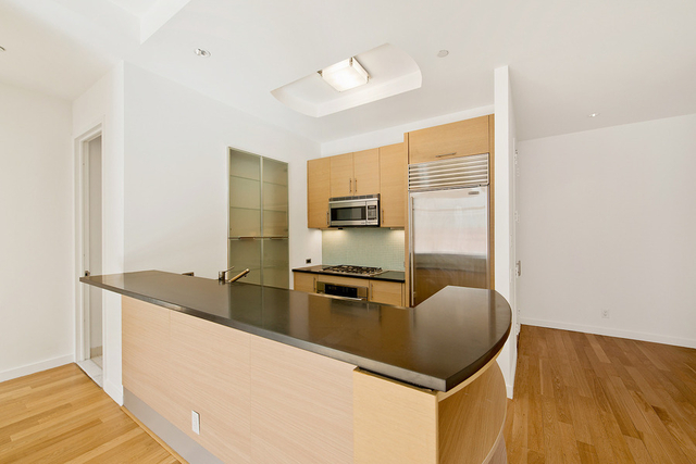 2 Bedrooms, Chelsea Rental in NYC for $3,895 - Photo 1