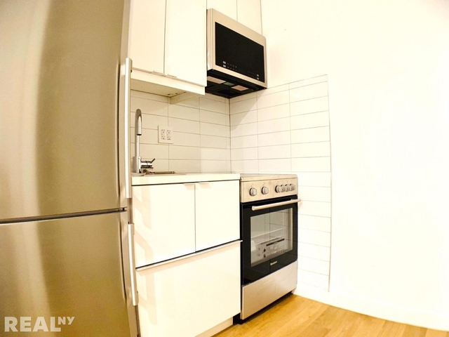 1 Bedroom, Little Italy Rental in NYC for $3,733 - Photo 2