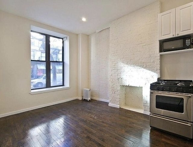 Studio, Hell's Kitchen Rental in NYC for $2,350 - Photo 2