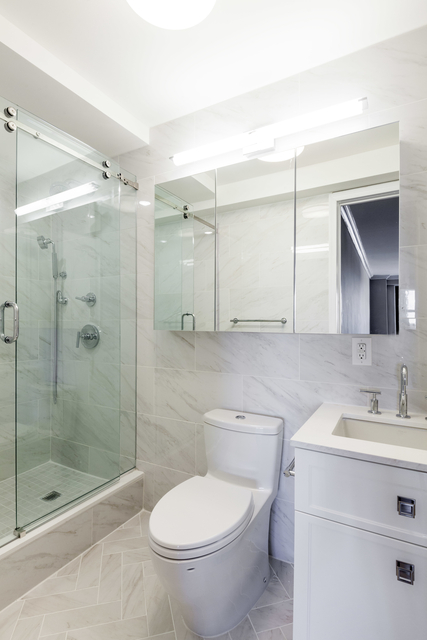 2 Bedrooms, Upper East Side Rental in NYC for $5,119 - Photo 2