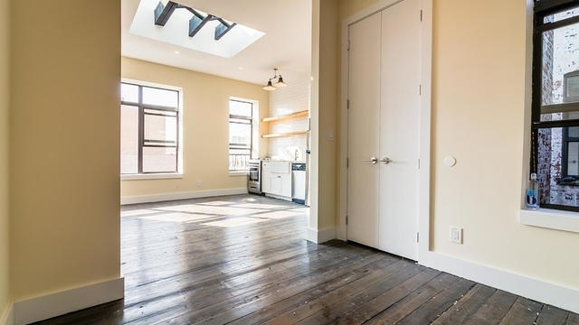 3 Bedrooms, Bushwick Rental in NYC for $2,850 - Photo 2