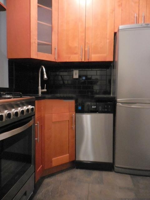 2 Bedrooms, West Village Rental in NYC for $3,050 - Photo 2