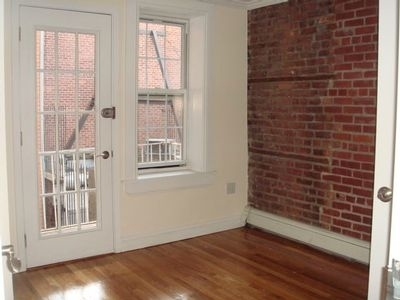 4 Bedrooms, Turtle Bay Rental in NYC for $6,995 - Photo 2