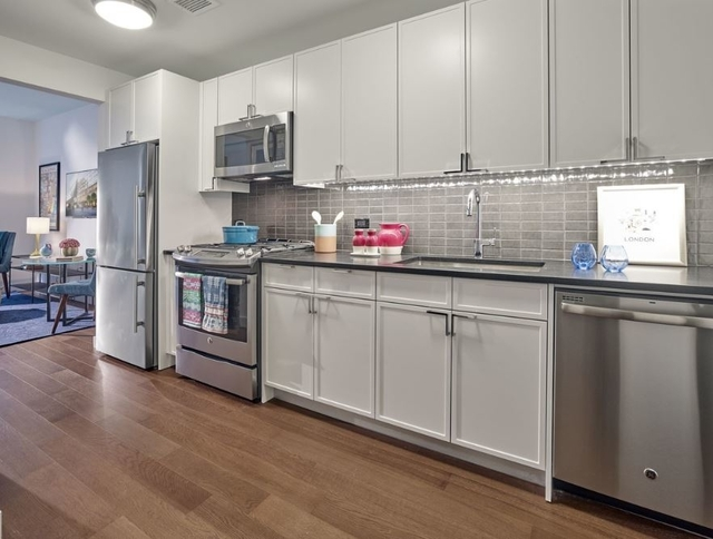Studio, Chelsea Rental in NYC for $3,380 - Photo 2
