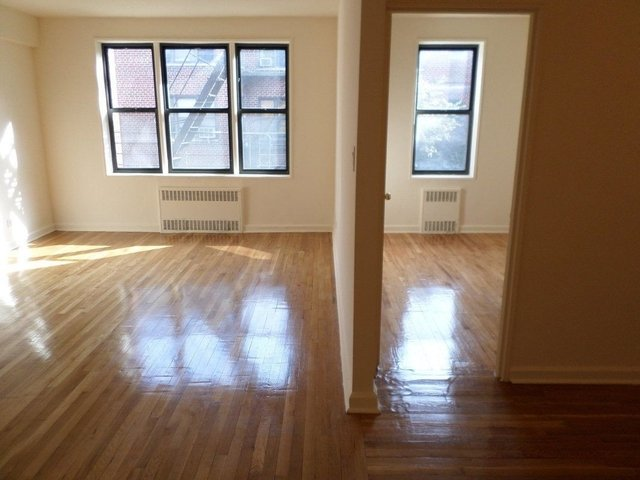 2 Bedrooms, Jackson Heights Rental in NYC for $2,400 - Photo 2
