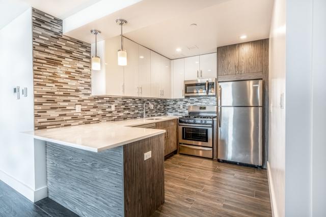 1 Bedroom, Astoria Rental in NYC for $2,333 - Photo 2