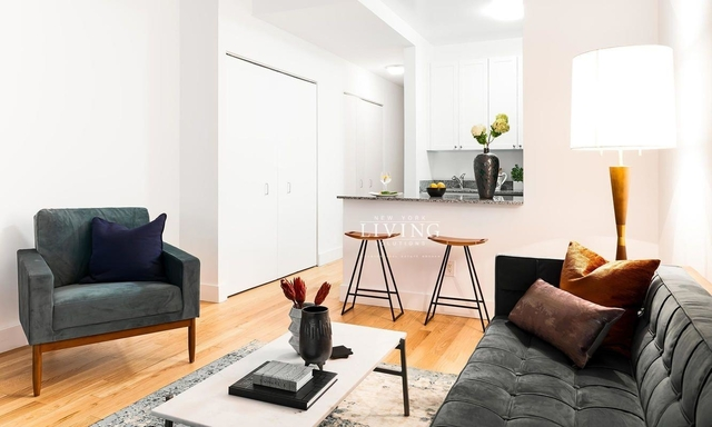 1 Bedroom, Financial District Rental in NYC for $3,888 - Photo 2