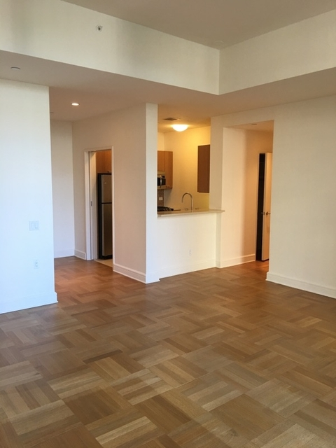 2 Bedrooms, Lincoln Square Rental in NYC for $6,985 - Photo 2