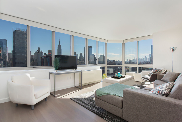 2 Bedrooms, Hell's Kitchen Rental in NYC for $5,591 - Photo 1