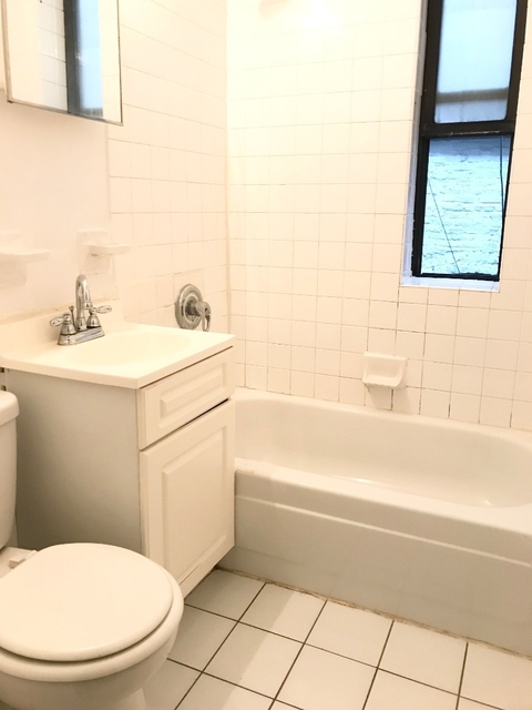 2 Bedrooms, NoLita Rental in NYC for $3,300 - Photo 2