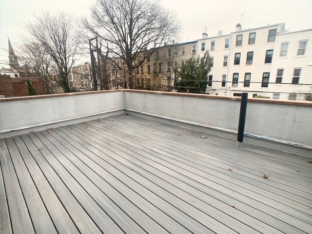 3 Bedrooms, Sunset Park Rental in NYC for $2,595 - Photo 2