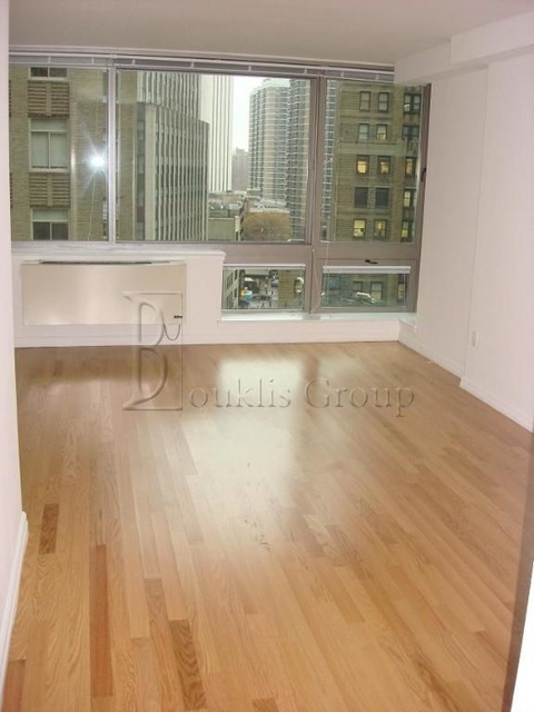 1 Bedroom, Financial District Rental in NYC for $3,517 - Photo 2