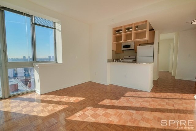 2 Bedrooms, Hell's Kitchen Rental in NYC for $3,760 - Photo 2