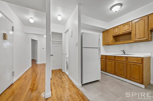 3 Bedrooms, Elmhurst Rental in NYC for $3,000 - Photo 2