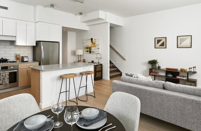 3 Bedrooms, Astoria Rental in NYC for $5,800 - Photo 2