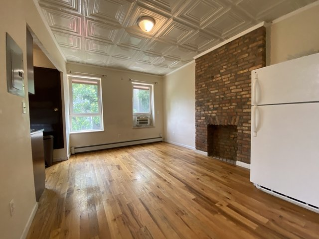 3 Bedrooms, Bedford-Stuyvesant Rental in NYC for $2,100 - Photo 1