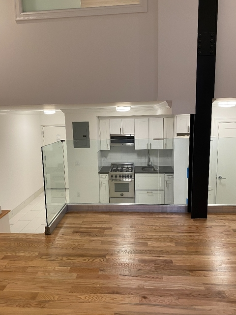 3 Bedrooms, Gramercy Park Rental in NYC for $6,900 - Photo 2