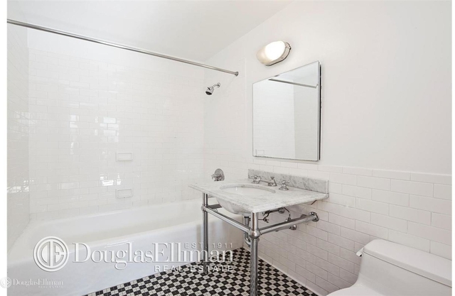 1 Bedroom, DUMBO Rental in NYC for $3,895 - Photo 1