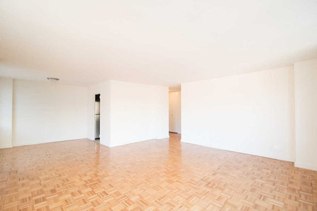 2 Bedrooms, Upper West Side Rental in NYC for $5,936 - Photo 2