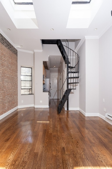 3 Bedrooms, Hell's Kitchen Rental in NYC for $5,500 - Photo 1