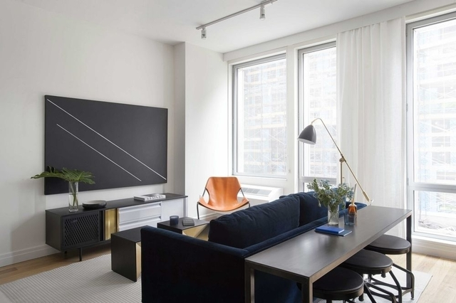 1 Bedroom, Williamsburg Rental in NYC for $4,775 - Photo 2