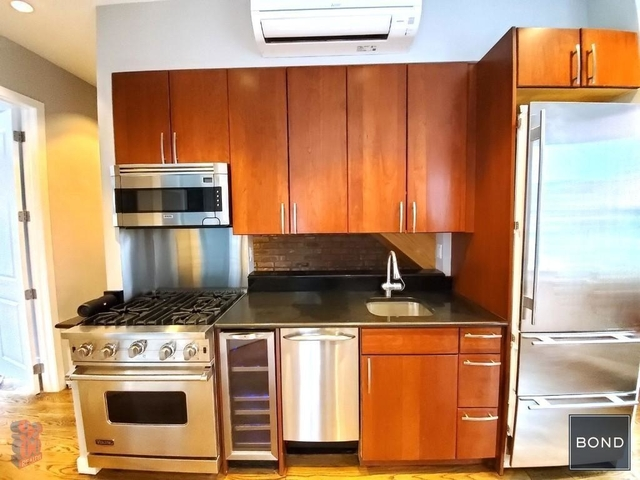 3 Bedrooms, West Village Rental in NYC for $8,995 - Photo 2