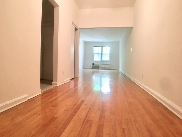 Studio, Sutton Place Rental in NYC for $2,300 - Photo 2