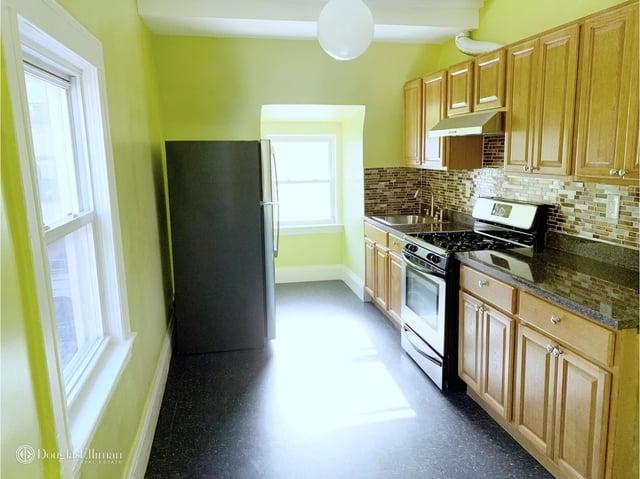 2 Bedrooms, Kensington Rental in NYC for $2,050 - Photo 2