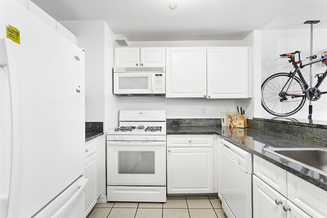 1 Bedroom, Hell's Kitchen Rental in NYC for $3,222 - Photo 1