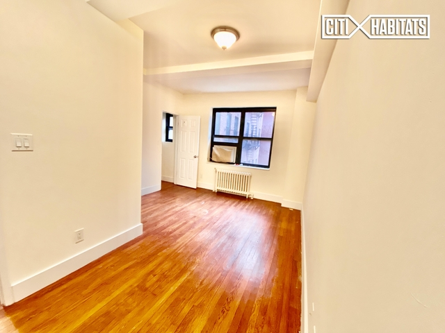 2 Bedrooms, Greenwich Village Rental in NYC for $3,965 - Photo 2