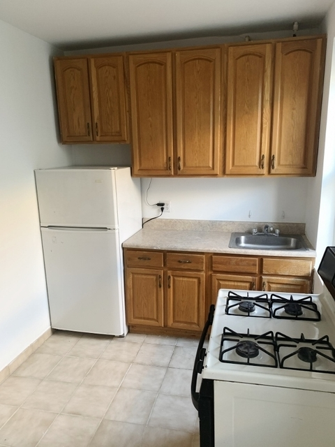 2 Bedrooms, Steinway Rental in NYC for $2,045 - Photo 2