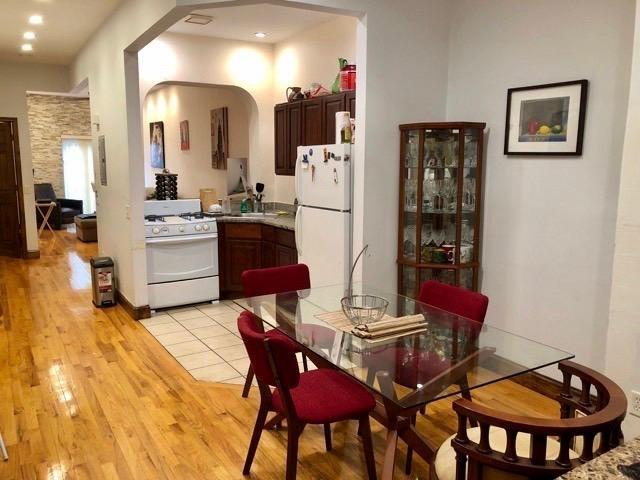 2 Bedrooms, Bushwick Rental in NYC for $2,559 - Photo 2