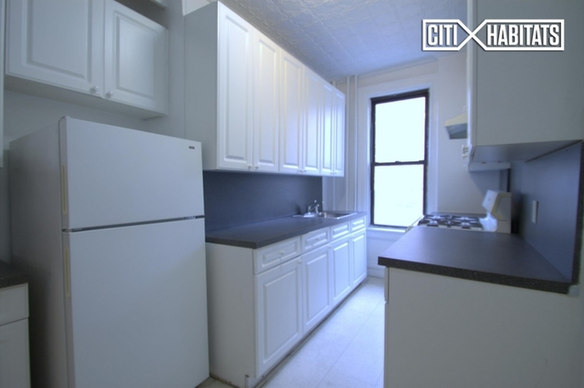 3 Bedrooms, Gramercy Park Rental in NYC for $5,150 - Photo 2