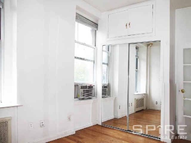 2 Bedrooms, SoHo Rental in NYC for $4,225 - Photo 2